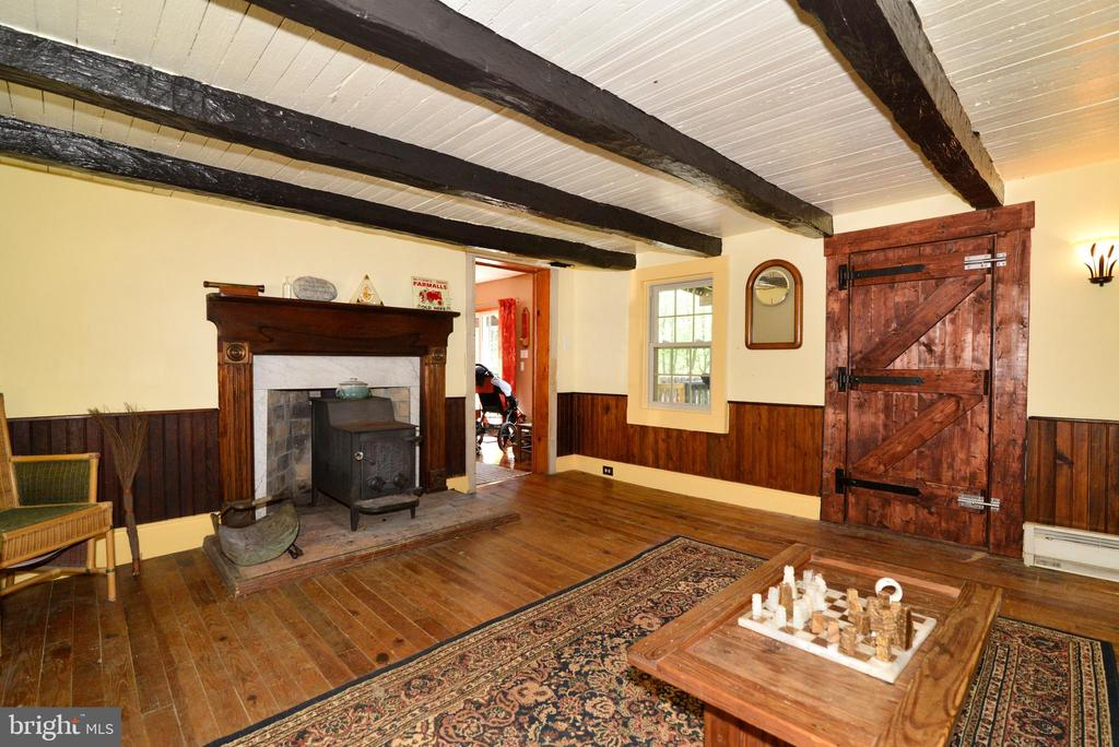 ORIGINAL PART OF THE HOUSE WITH BEAMED CEILINGS - 37730 LONG LN, LOVETTSVILLE