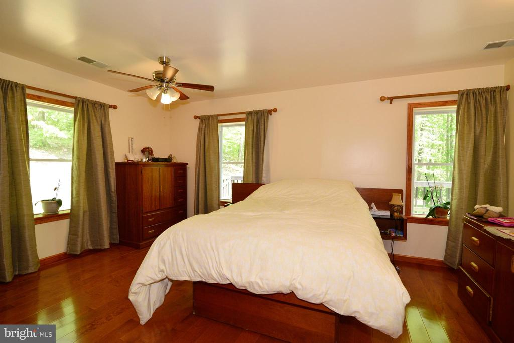 MASTER BEDROOM - 37730 LONG LN, LOVETTSVILLE