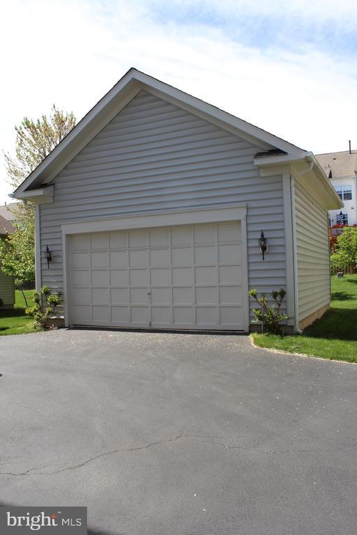 Lg  detached 2-car garage & work area. - 22791 VICKERY PARK DR, BRAMBLETON