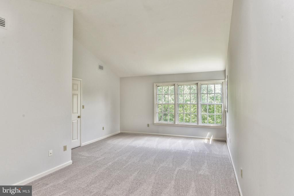 Master bedroom - 20214 BIRDSNEST PL, ASHBURN