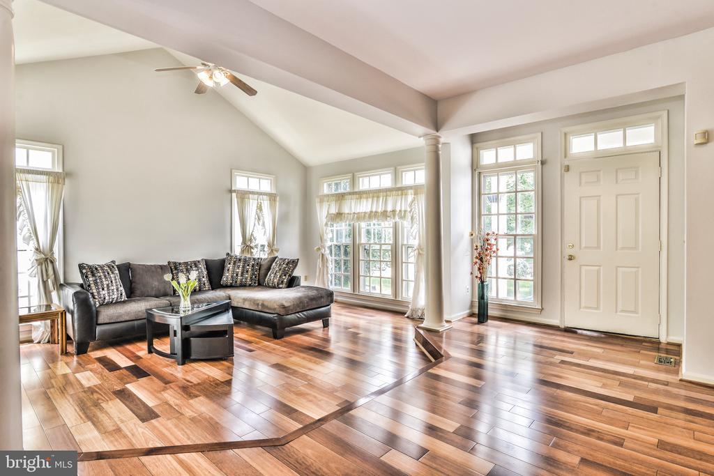 Living Room - 20214 BIRDSNEST PL, ASHBURN