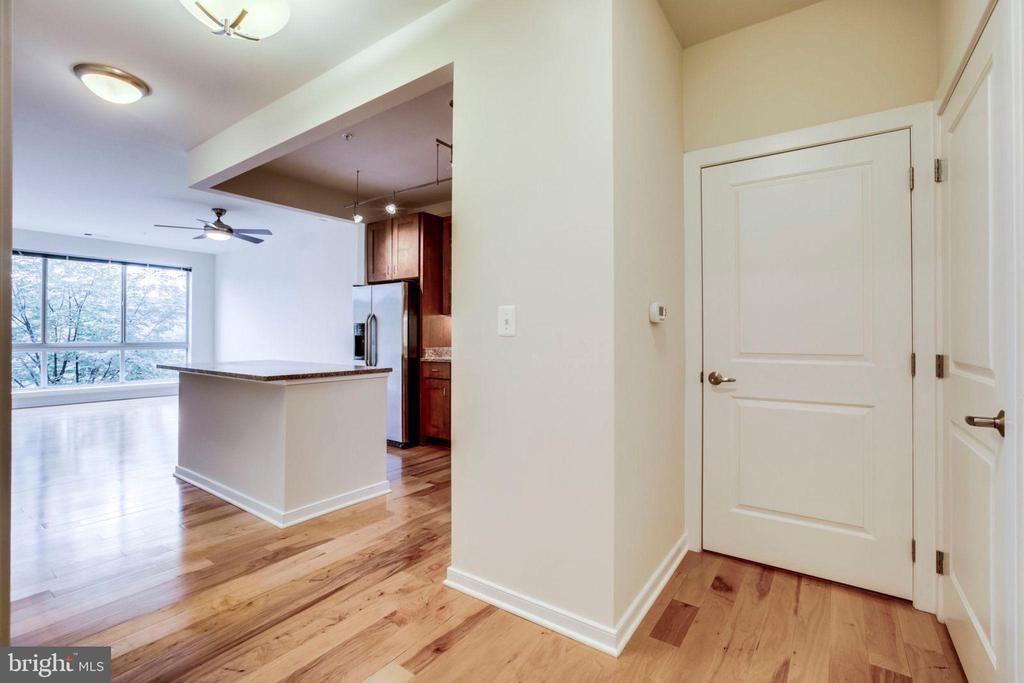 Photos are of vacant unit- same floorplan. - 2200 N WESTMORELAND ST #304, ARLINGTON