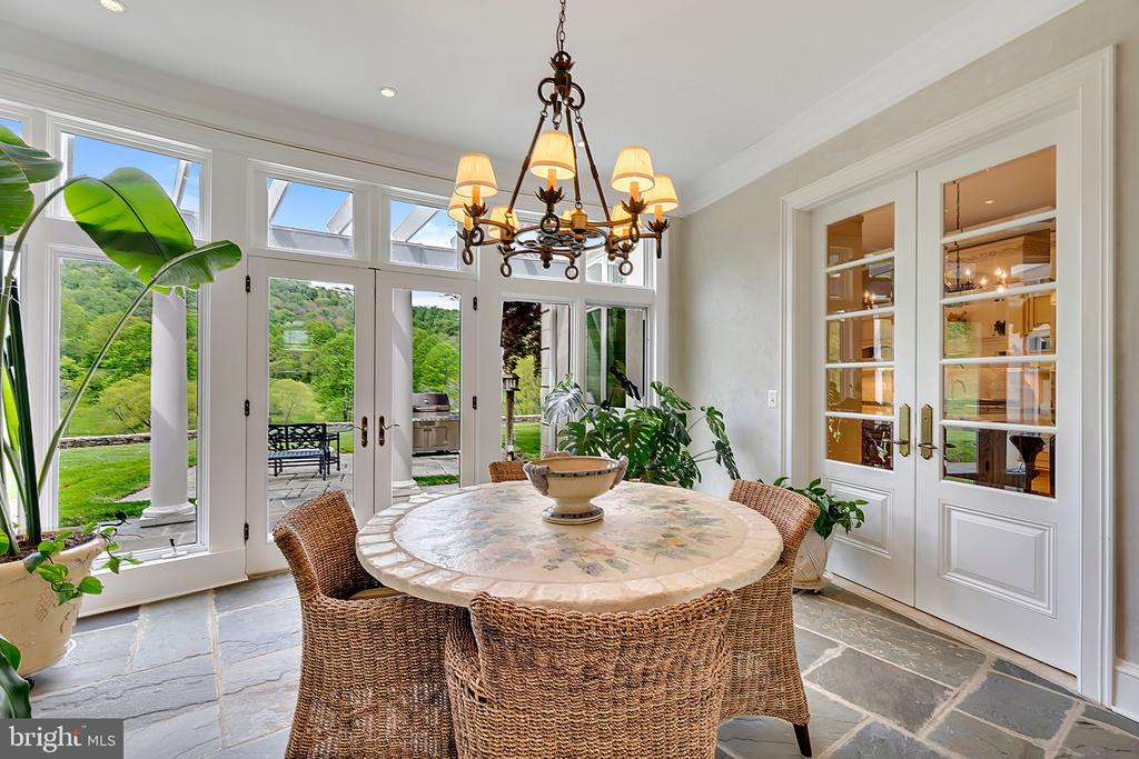 Breakfast room - 12410 COVE LN, HUME