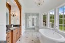 Deluxe His and Hers Master bath - 12410 COVE LN, HUME