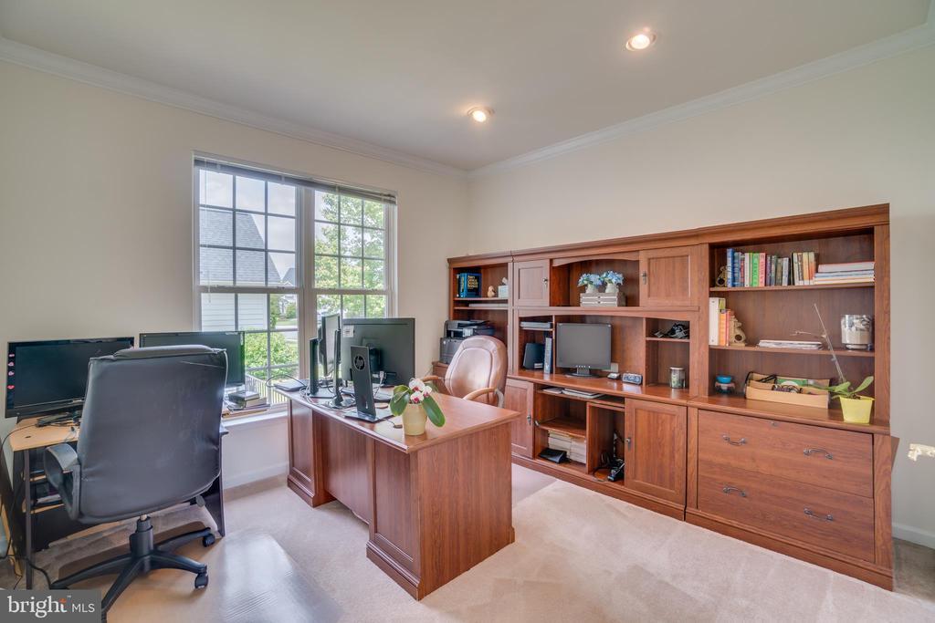 Office/5th Bedroom Potential - 24763 PRAIRIE GRASS DR, ALDIE