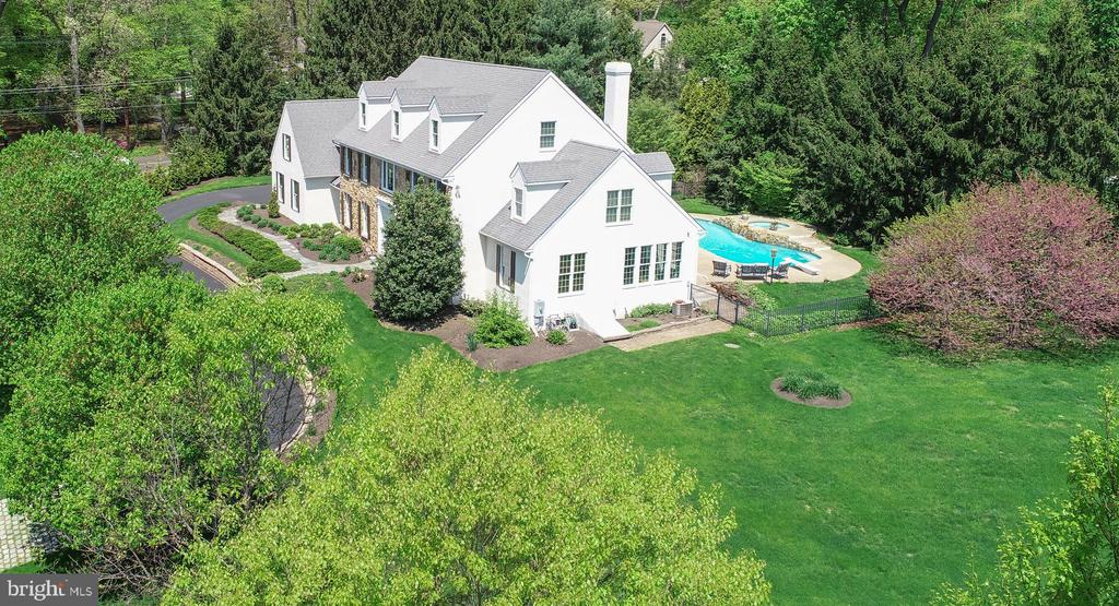 1  MERCER GATE DRIVE, Doylestown, Pennsylvania