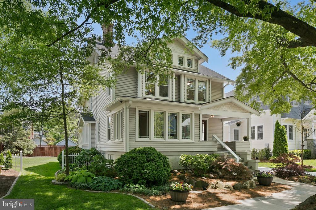 Stunning residence in lovely Ashton Heights - 801 N JACKSON ST, ARLINGTON