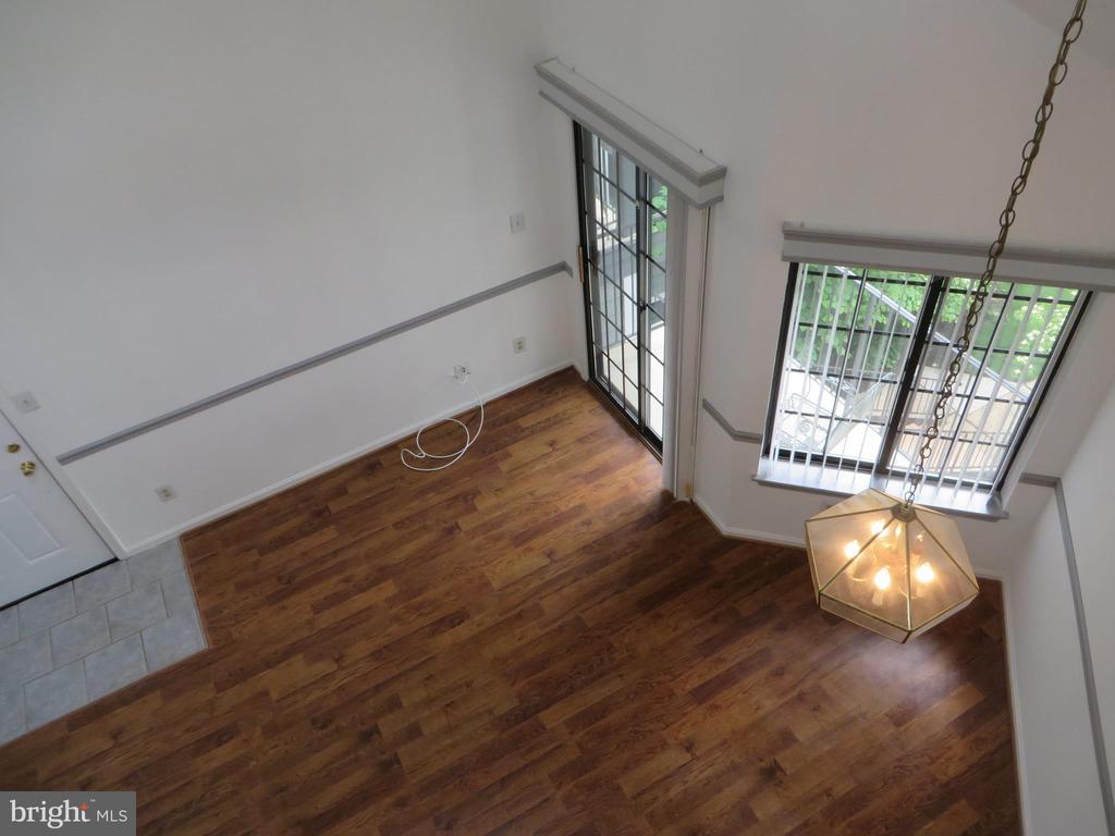 LOOKING DOWN FROM LOFT TO LIVING ROOM - 6009-E MERSEY OAKS WAY #4E, ALEXANDRIA