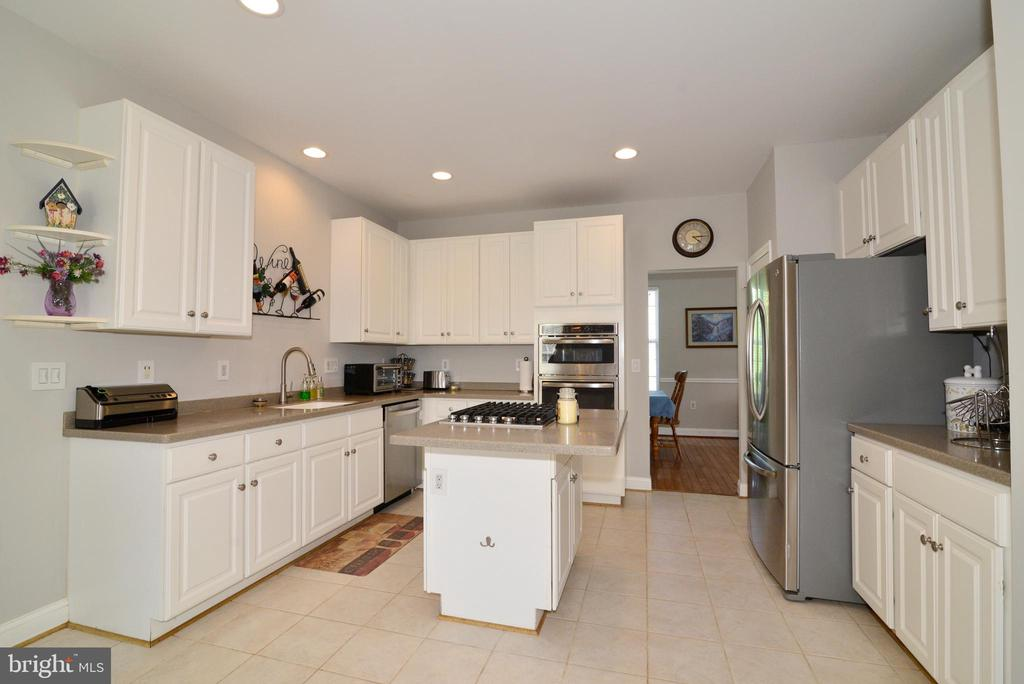 NEW APPLICANCES AND NEW PAINT - 708 SEATON CT SE, LEESBURG