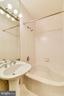 Guest Full Bathroom - 1121 ARLINGTON BLVD #1006, ARLINGTON