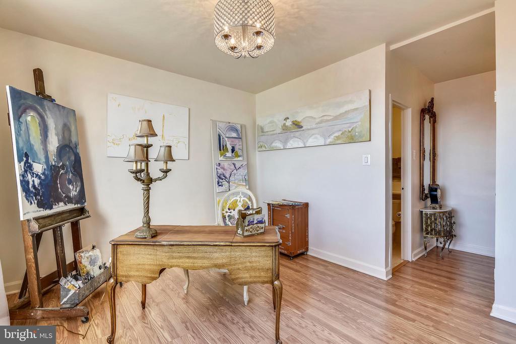 Second Bedroom/Office/Den - 1121 ARLINGTON BLVD #1006, ARLINGTON