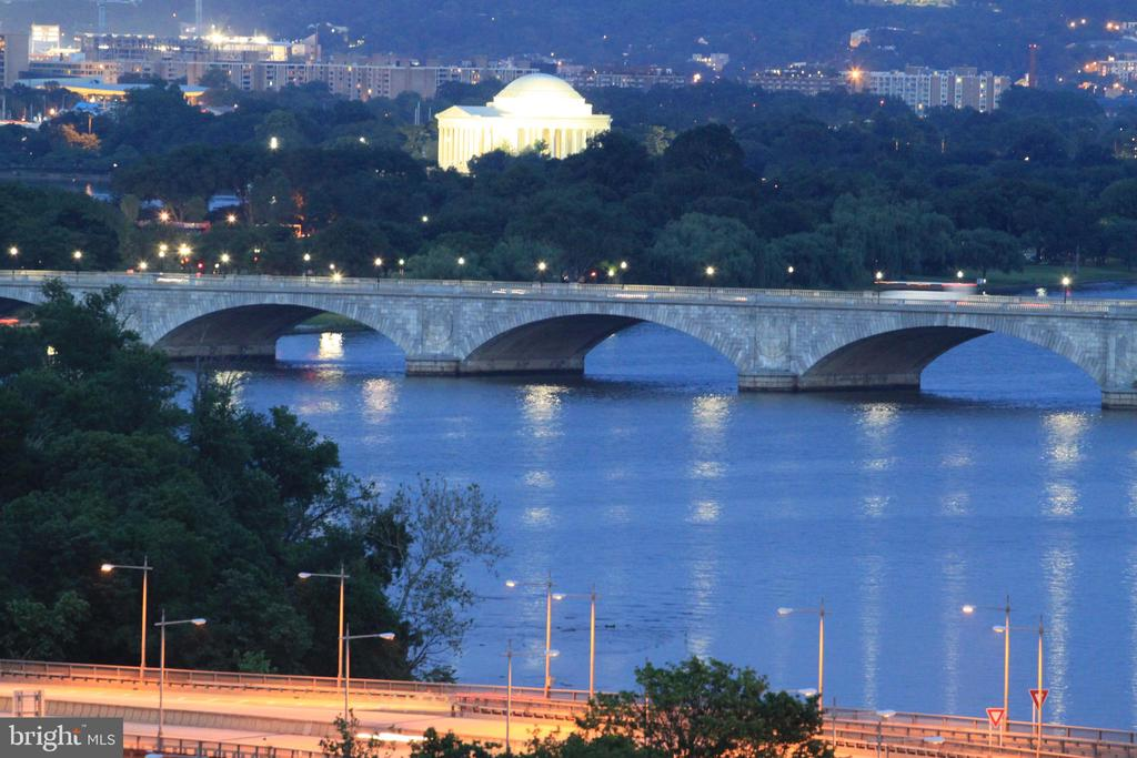Night View of Jefferson Memorial & Key Bridge - 1121 ARLINGTON BLVD #1006, ARLINGTON