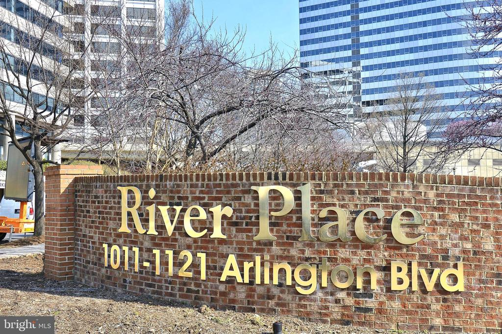 Welcome to River Place - 1121 ARLINGTON BLVD #1006, ARLINGTON
