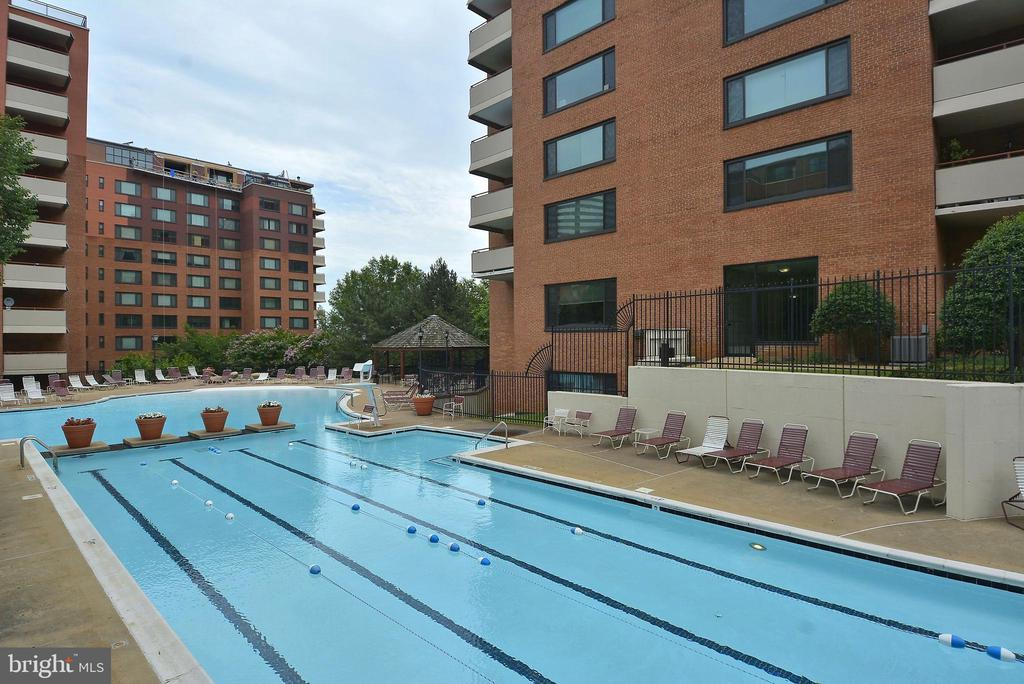 River Place Inground Exterior Pool - 1121 ARLINGTON BLVD #1006, ARLINGTON