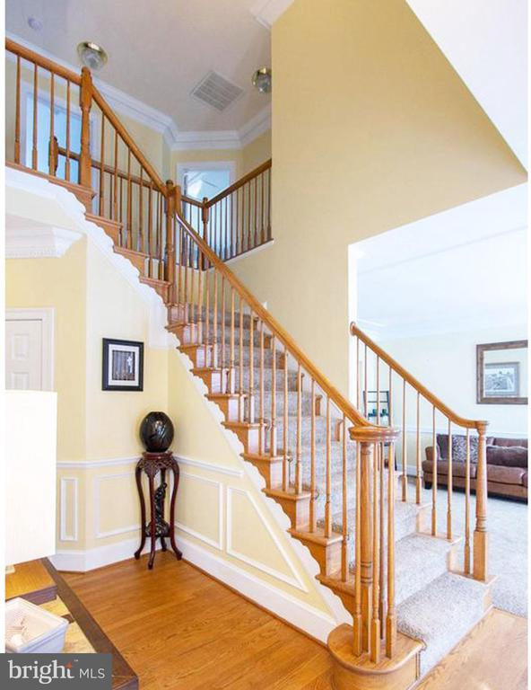 Foyer Staircase - 3713 STONEWALL MANOR DR, TRIANGLE