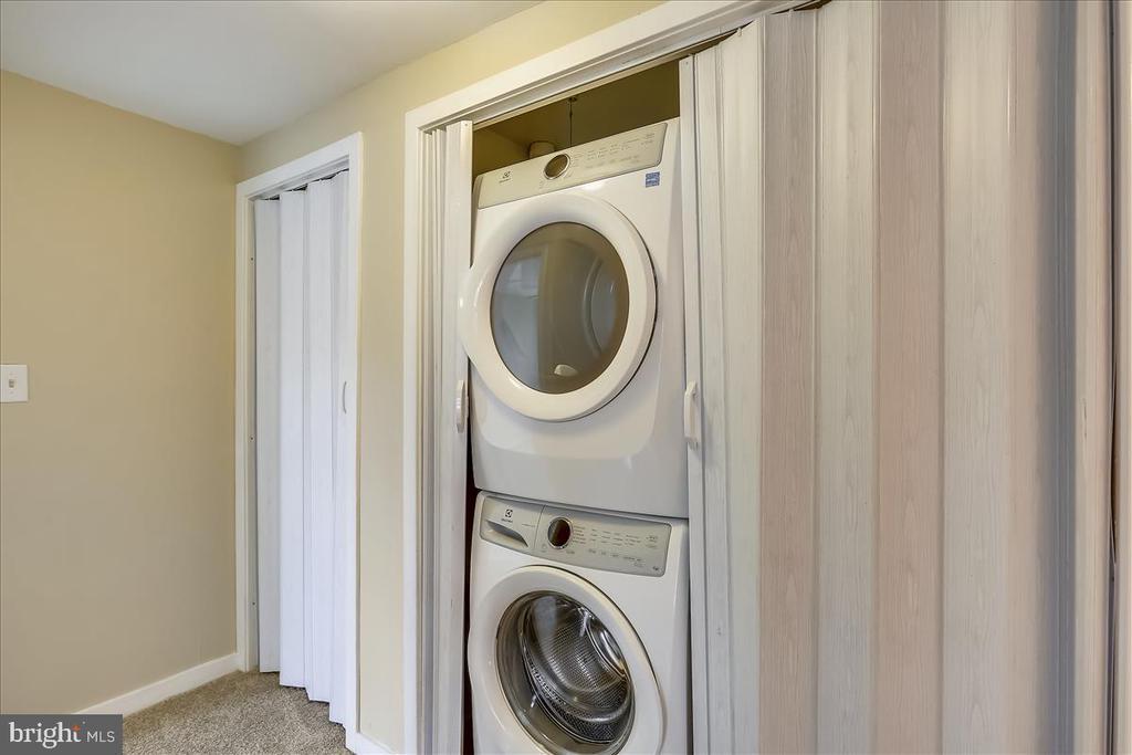 Second Floor Laundry - 18111 COPPS HILL PL, MONTGOMERY VILLAGE