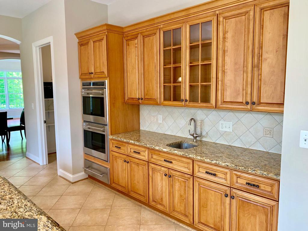 Main House Kitchen - 12775 YATES FORD RD, CLIFTON
