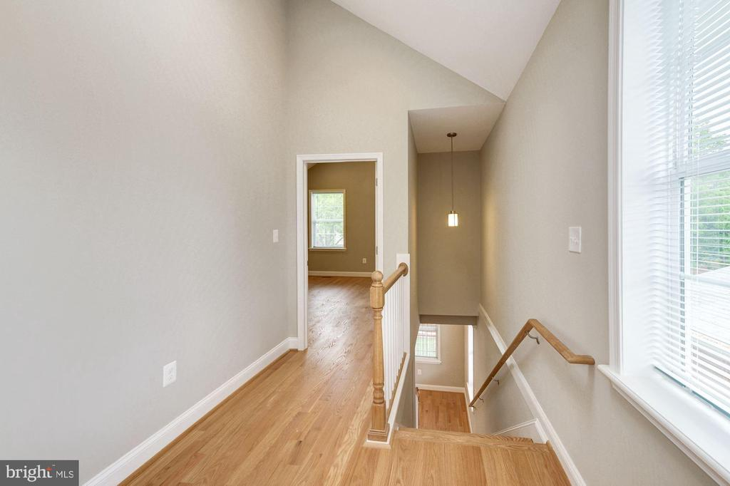 Upper landing with skylight & vaulted ceilings - 4521 CLAY ST NE, WASHINGTON