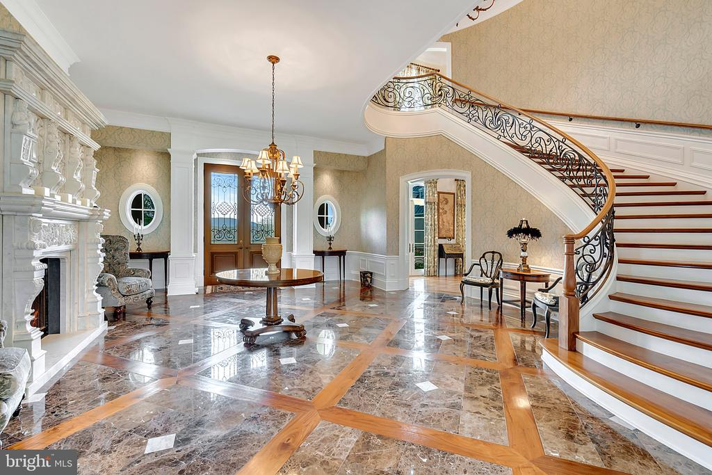 Entry Hall with Curved Strairway - 12410 COVE LN, HUME