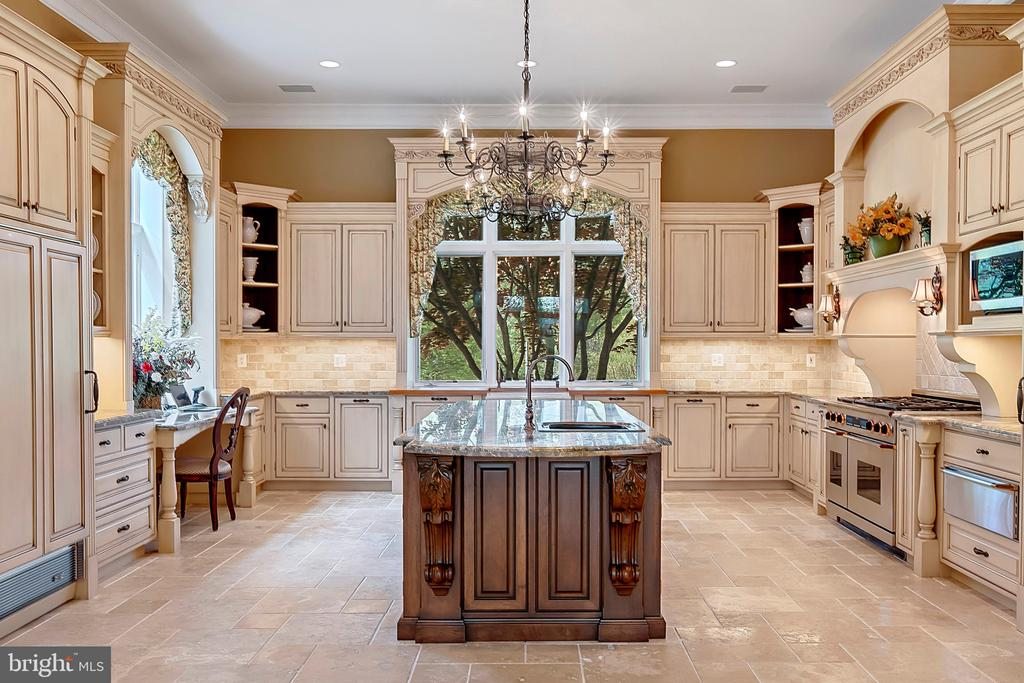 Kitchen with Granite counter tops - 12410 COVE LN, HUME
