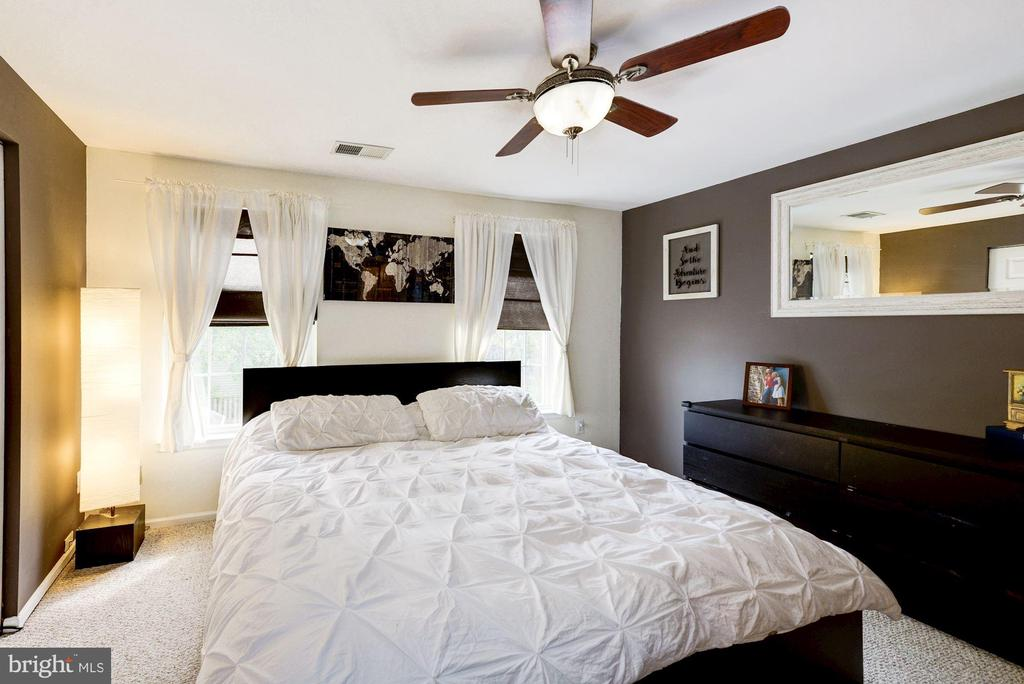 Master Bedroom with Ceiling Fan - 6964 OLD BRENTFORD RD, ALEXANDRIA