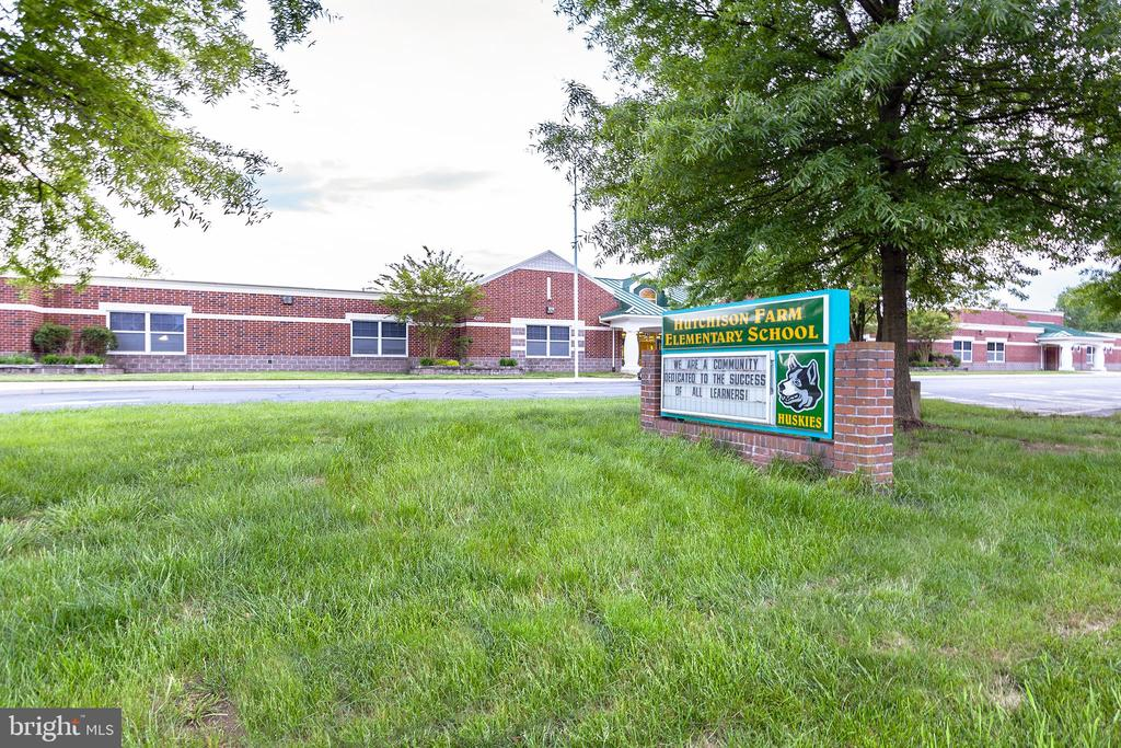 Elementry School - 25425 BRADSHAW DR, CHANTILLY