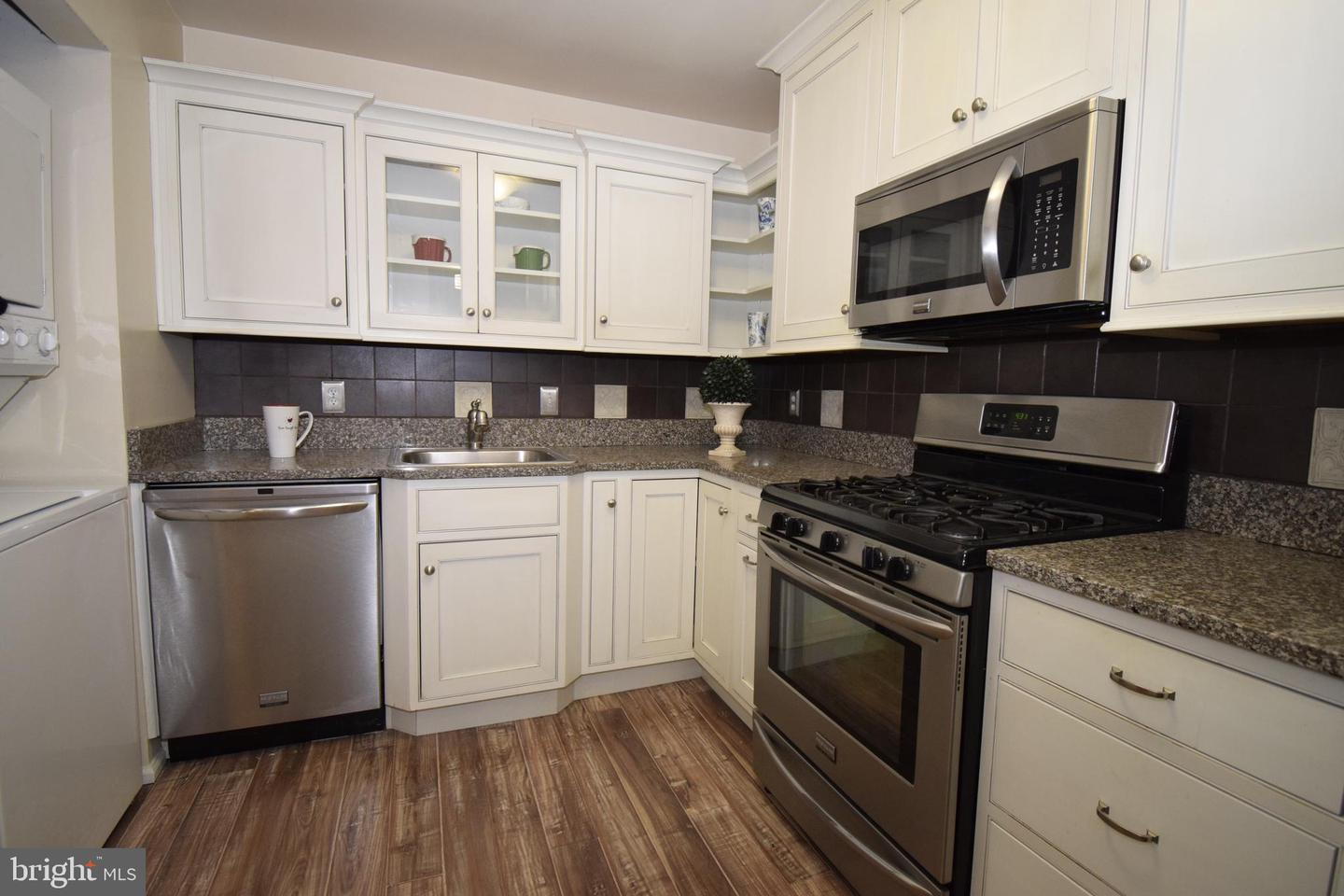 Single Family for Sale at 10 Monroe St #201 Rockville, Maryland 20850 United States
