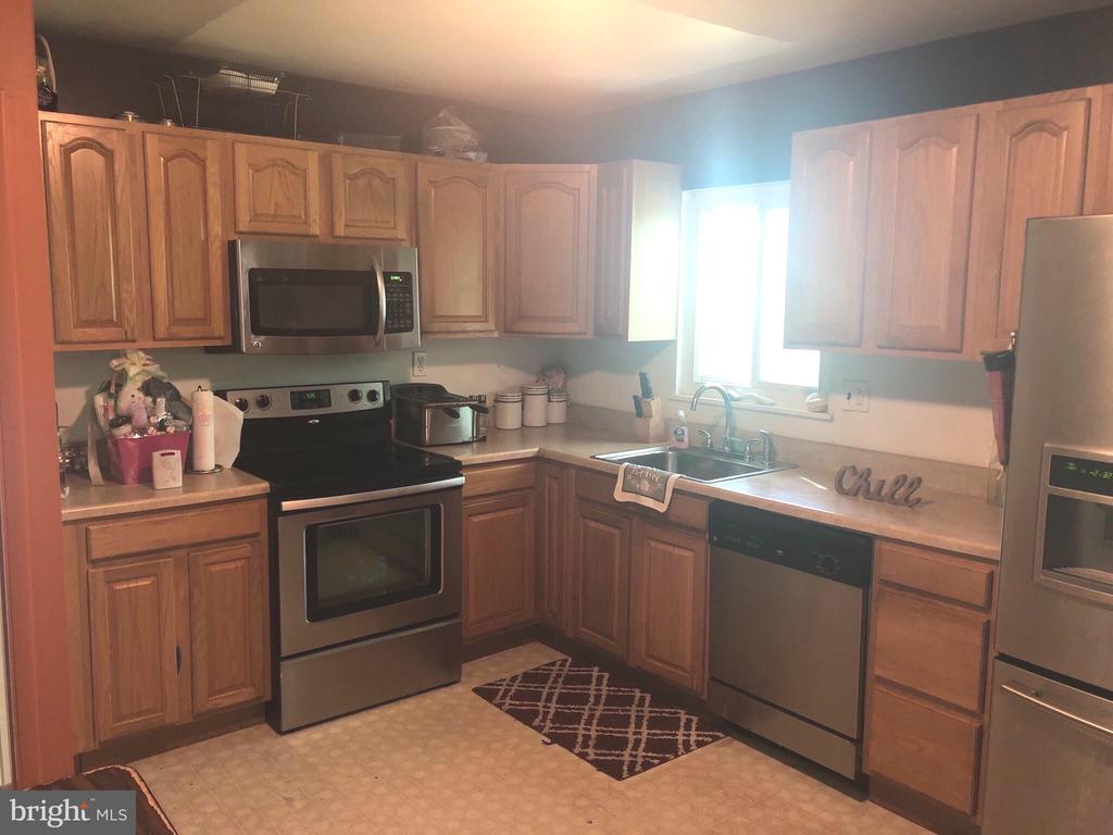 Kitchen - 5415 RUXTON DR, LANHAM