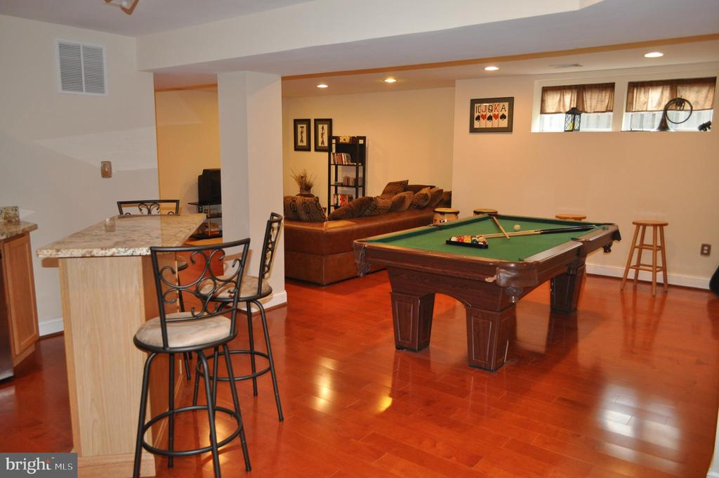 Pool table will convey. - 1503 S OAKLAND ST, ARLINGTON