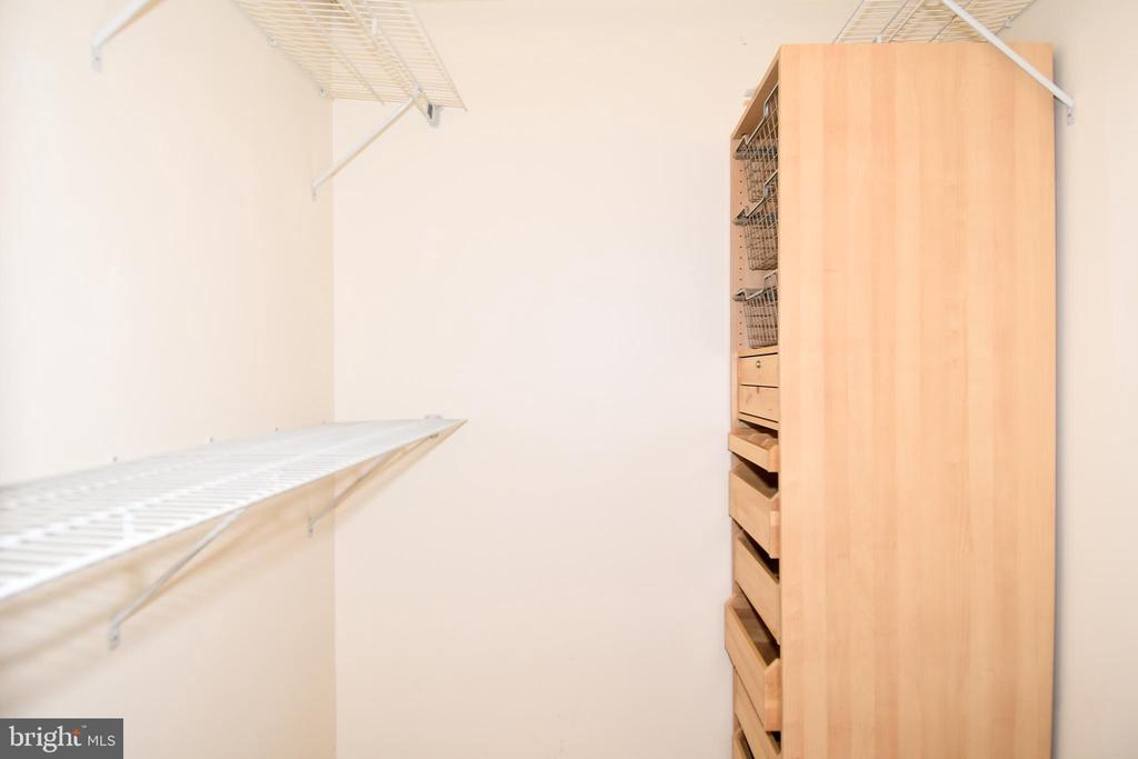 MBR Closet - 900 N STAFFORD ST #2328, ARLINGTON