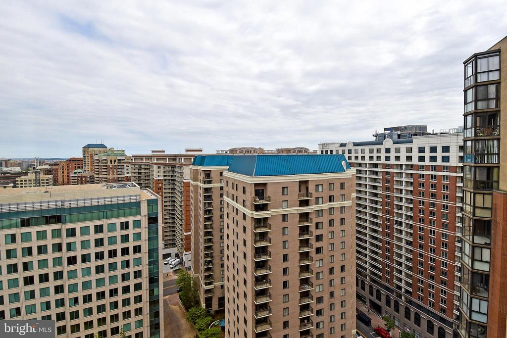 You can see sunrise from your living room windows - 900 N STAFFORD ST #2328, ARLINGTON