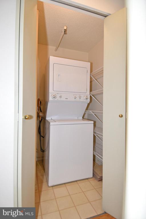 Your own washer/dryer, of course - 900 N STAFFORD ST #2328, ARLINGTON