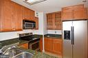 A very good working kitchen - 900 N STAFFORD ST #2328, ARLINGTON