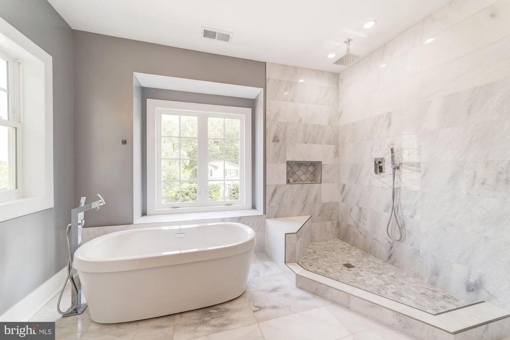 Double Vanity - Marble Bath w/ Sep Tub + Shower - 4030 18TH ST S, ARLINGTON