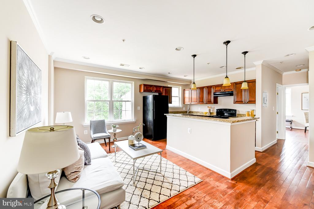 - 5014 H ST SE #301, WASHINGTON