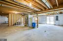 Large unfinished Walk-out Basement - 10910 ASTARITA AVE, PARTLOW