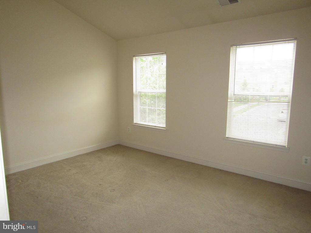 Master Bedroom  With a SUNNY Disposition! - 12946 CLARKSBURG SQUARE RD, CLARKSBURG