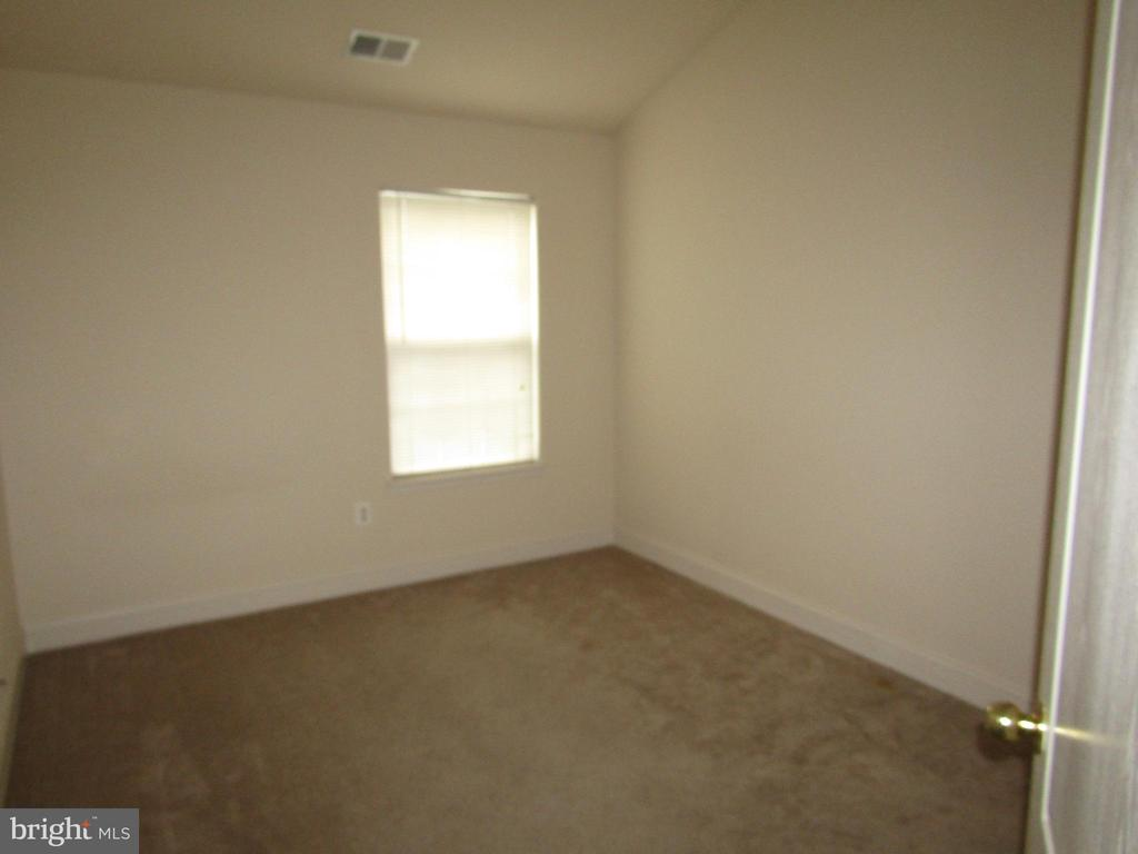 Bedroom #3 - 12946 CLARKSBURG SQUARE RD, CLARKSBURG
