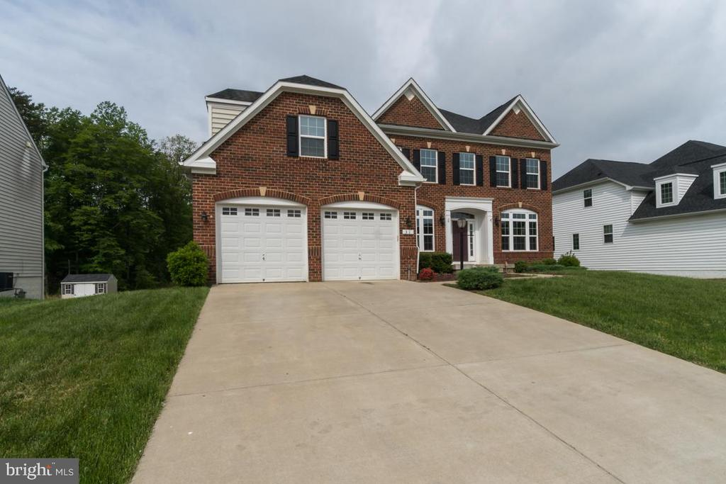 Welcome to your dream home! - 31 LIBERTY KNOLLS DR, STAFFORD