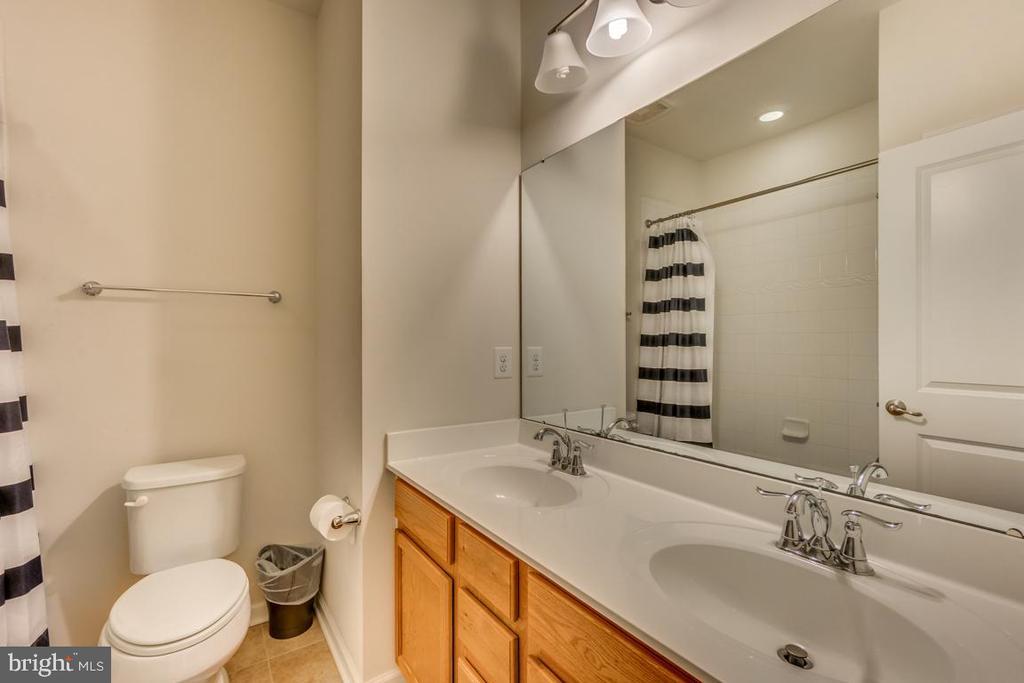 Full bath #3 is on upper level - 31 LIBERTY KNOLLS DR, STAFFORD