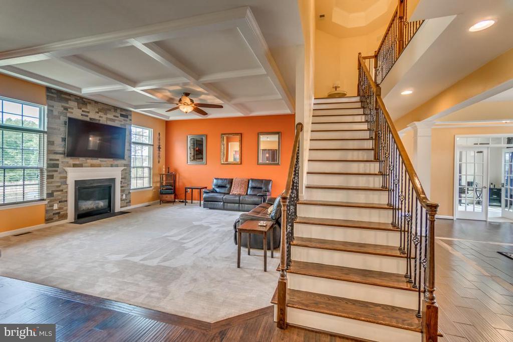 Fantastic floor plan flows beautifully - 31 LIBERTY KNOLLS DR, STAFFORD