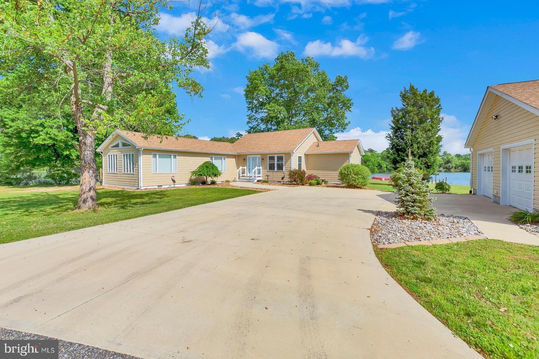 Single Family Homes para Venda às Avenue, Maryland 20609 Estados Unidos