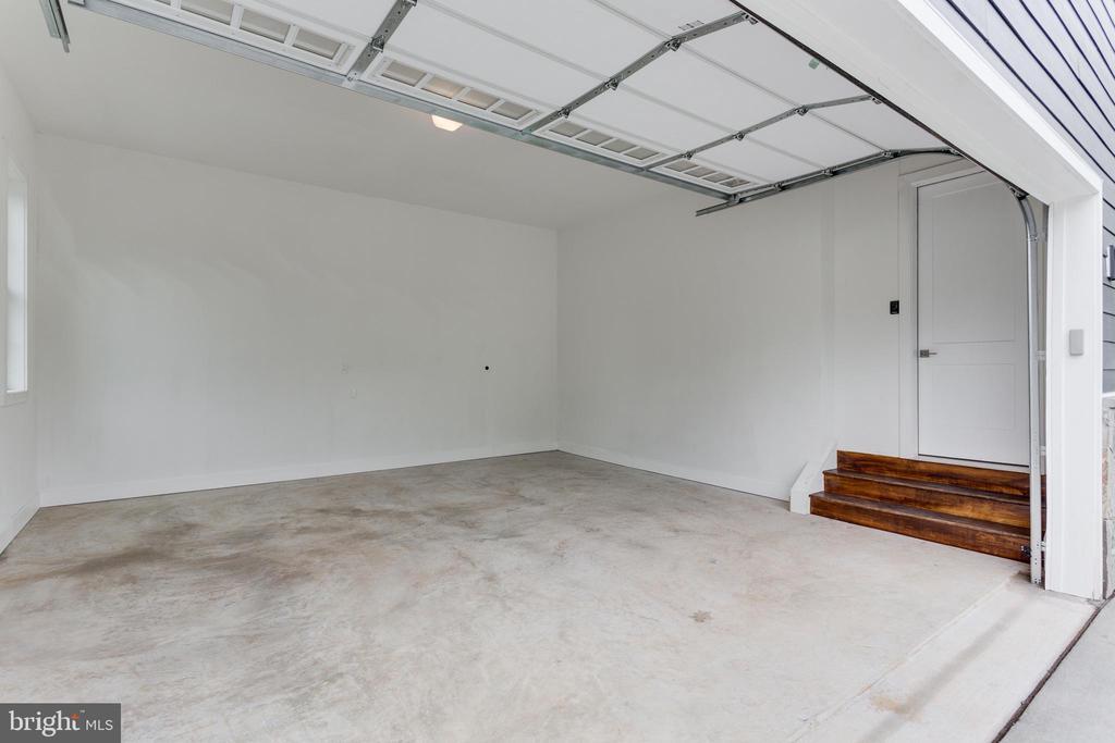 Garage - 2054 ARCH DR, FALLS CHURCH