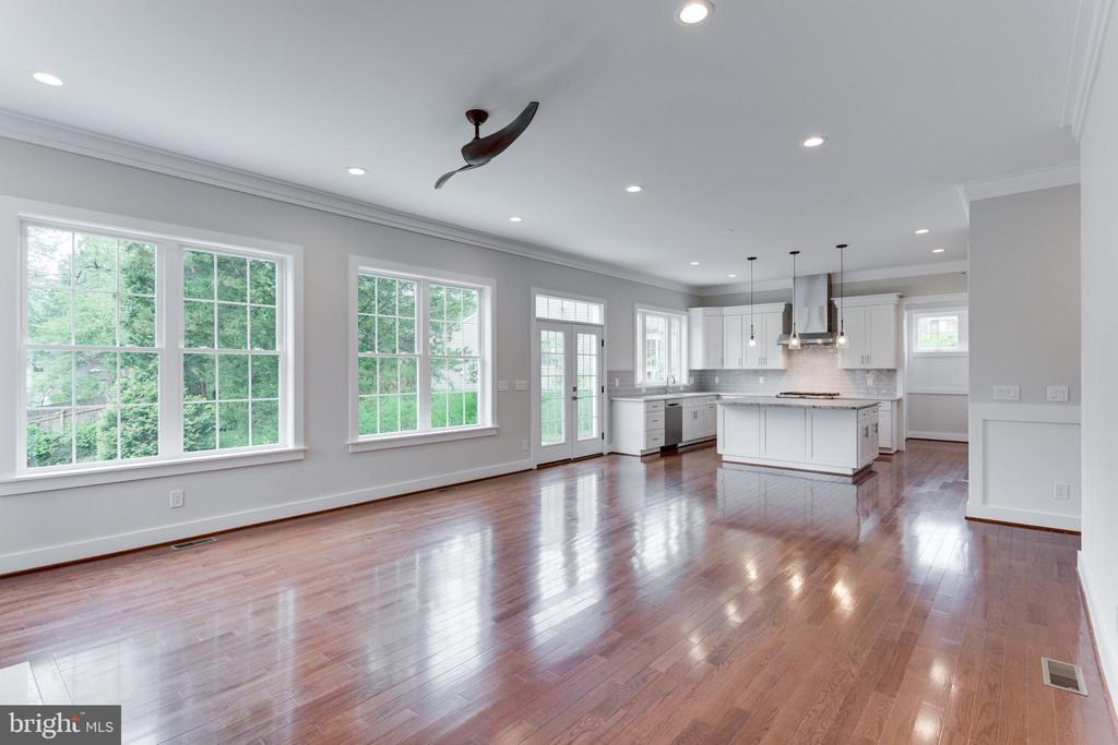 Family Room - 2054 ARCH DR, FALLS CHURCH