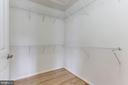 Master Bedroom Walk-in Closet - 47831 SCOTSBOROUGH SQ, STERLING