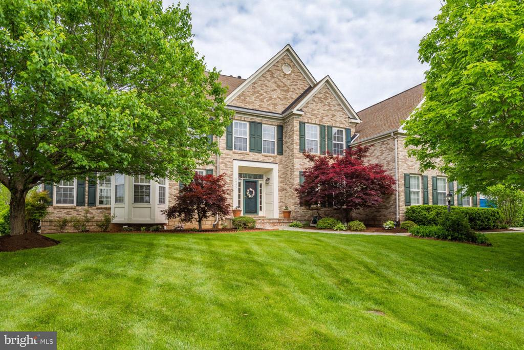 - 44277 LORD FAIRFAX PL, ASHBURN