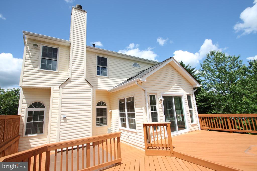 Two-Tiered Rear Deck - 1 KIMBERLY DR, STAFFORD