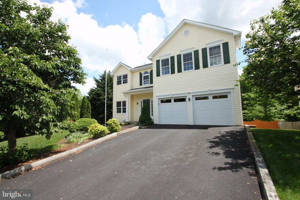 Exterior - Front - 1 KIMBERLY DR, STAFFORD