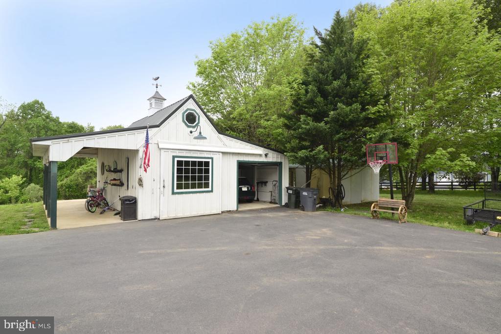 Garage - 17969 BATTLE PEAK CT, HAMILTON
