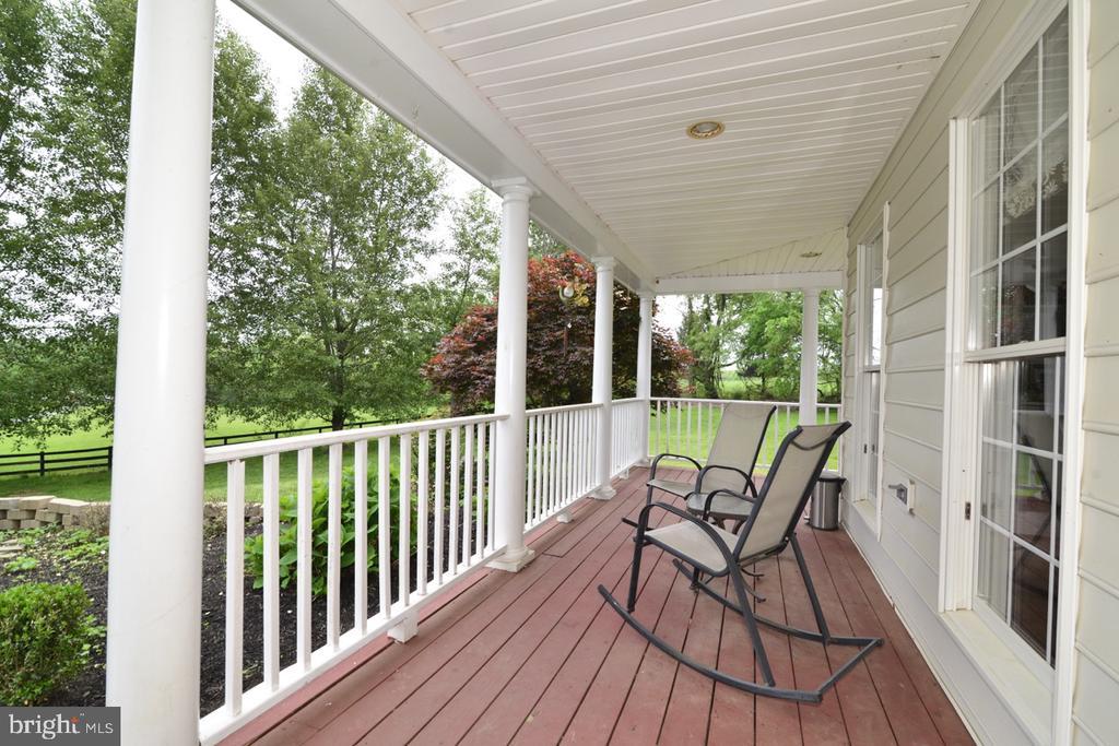 Front porch - 17969 BATTLE PEAK CT, HAMILTON